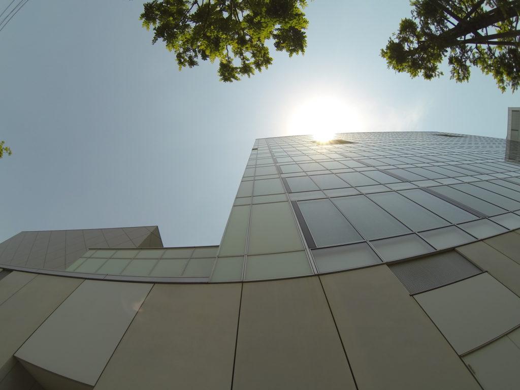 ビルを見上げる視点2