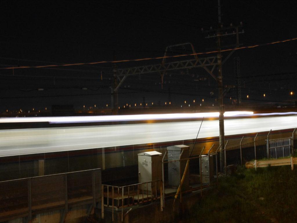 半端ないスピードの電車