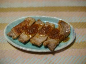 卓上豚肉のステーキ