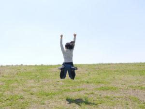 えび反りジャンプ系女子
