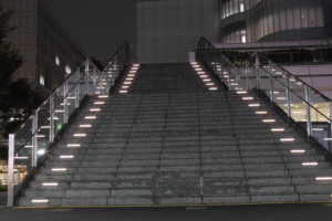 近未来的な階段