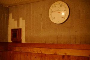 サウナ室の温度計